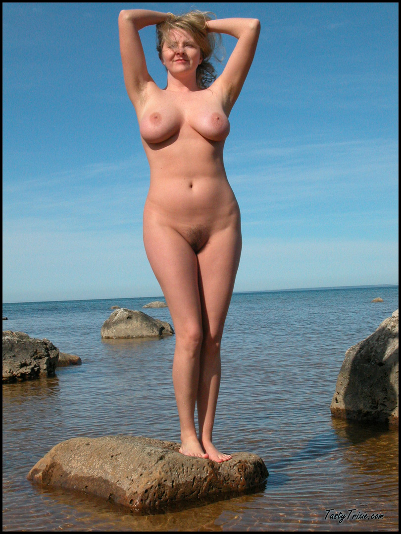 girls nude Lake michigan